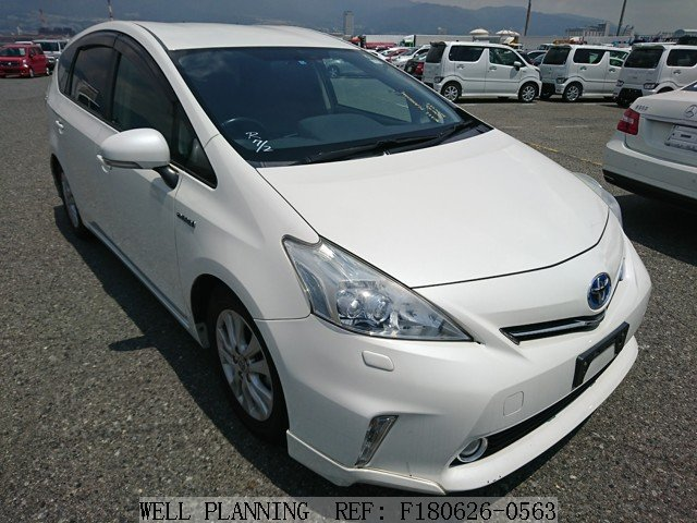 Used TOYOTA Prius α S TOURING Hatchback 2011