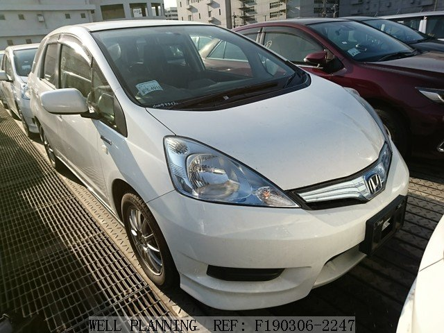 Used HONDA Fit shuttle Wagon 2014